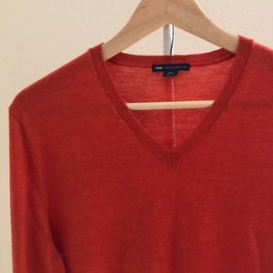 Men's burnt orange sweater
